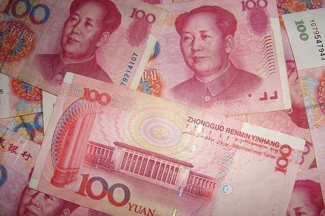 praca zarobki yuan