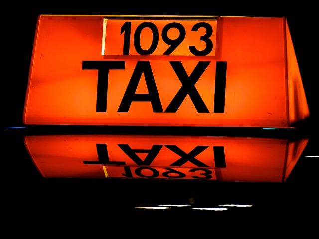taxi taksówki